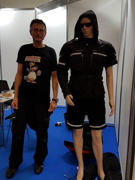 Armin Rössler, Bikaro innovative Motorradbekleidung