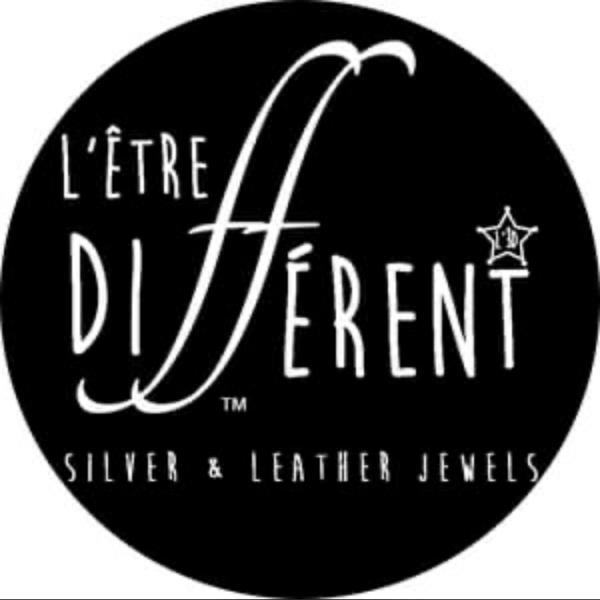 L'Être Différent Jewels